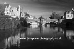 River Welland, Stamford town bridge