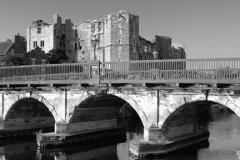 Bridge over the river Trent, Newark Castle