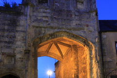 Browns Gate at night, Cathedral church of St Andrews in Wells, Wells City, Englands smallest City, Somerset County, England, Britain, UK