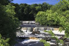 Upper falls of the Aysgarth Falls, Wensleydale