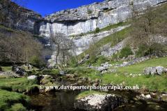 Malham Cove's, limestone cliffs, Malhamdale