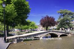 River Windrush Bridge, Bourton on the Water, Gloucestershire Cotswolds, England, UK