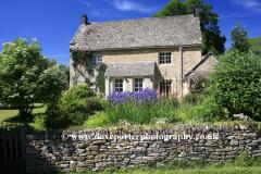 Cottage, Upper Slaughter village, Gloucestershire Cotswolds, England, UK