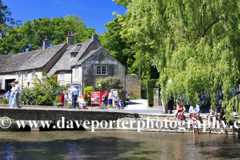 Bridge over the River Windrush, Bourton on the Water