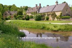 Cottages, river Windrush, Upper Slaughter village