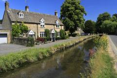 Cottages, River Eye, Lower Slaughter village