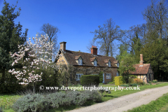 Cottage in the village of Ickwell Green, Bedfordshire