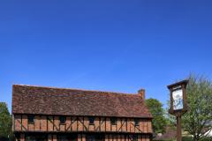 Moot Hall; Elstow village; John Bunyans birthplace